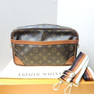100% Authentic Louis Vuitton Compiegne clutch 28